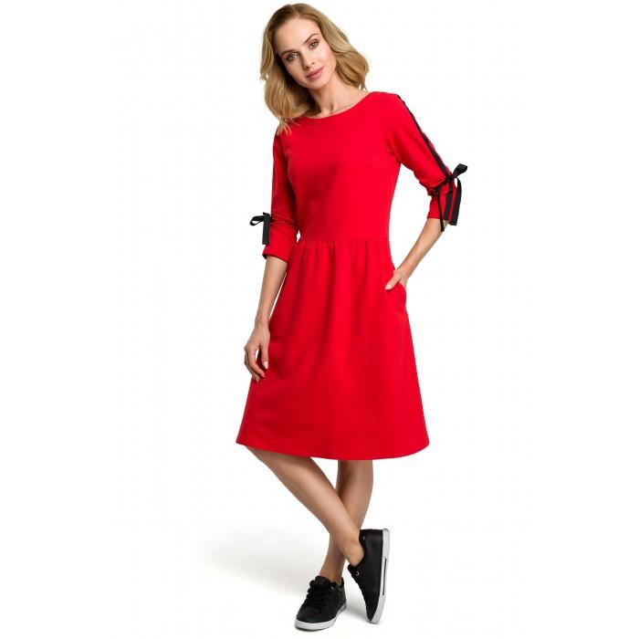 bc8630c172ae Červené úpletové šaty v Allínii s vreckami a stužkou MOE388