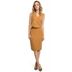 Škoricové púzdrové šaty s prekríženým dekoltom MOE395