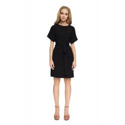 Style Čierne púzdrové šaty so zadným výstrihom S025