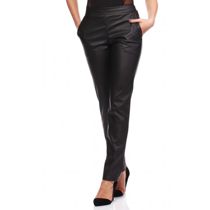 46965b7a6561 Dámske čierne koženkové nohavice MOE144