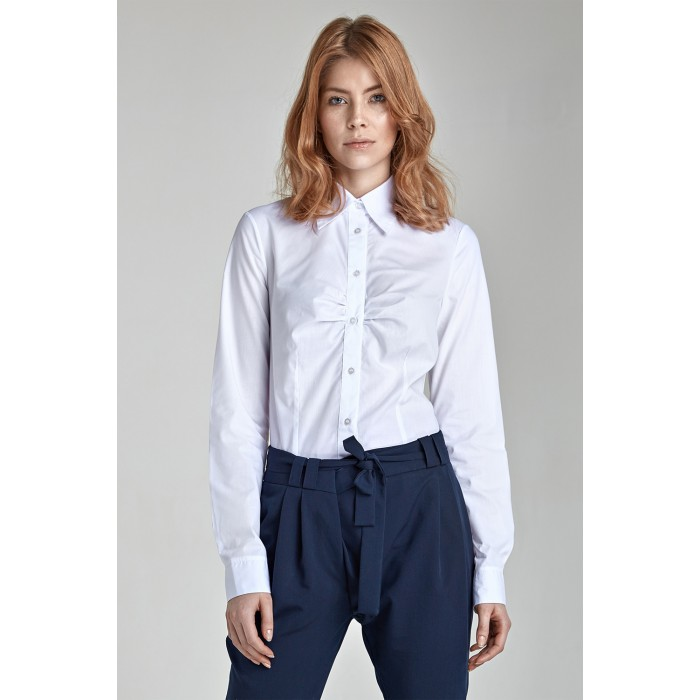 2b4b8f911832 Dámska biela košeľa s jemným riasením k24 40